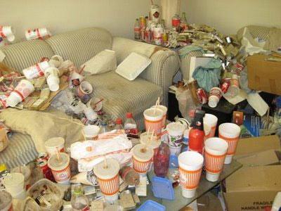 messy-apartment-1